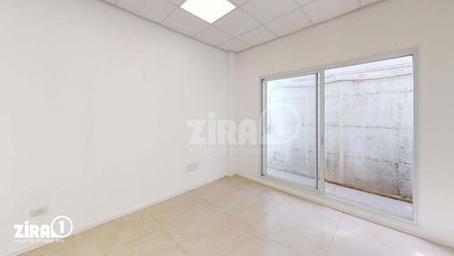 משרד בבניין בניין קורן 2 | קומה 8 | שטח 74מ״ר  | תמונה #12 - 1