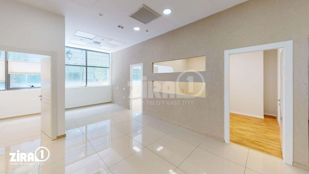 משרד בבניין סנטר A | קומה 2 | שטח 90מ״ר  | תמונה #0 - 1