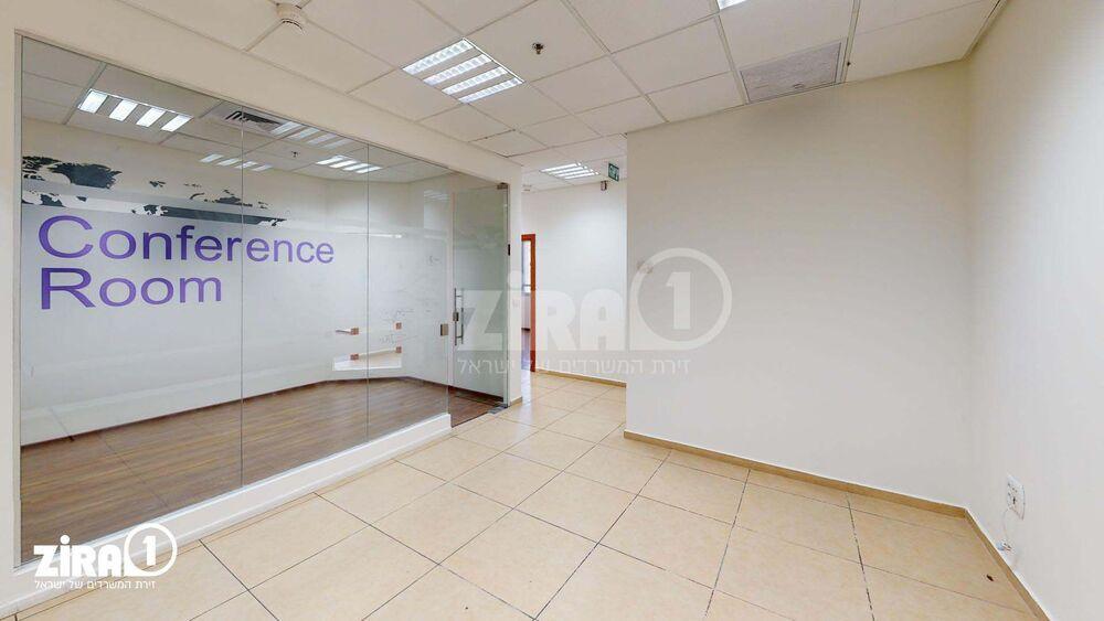 משרד בבניין פארק אולימפיה - בניין B | קומה: 2 | שטח 125 תמונה | מ׳׳ר #19 - 1