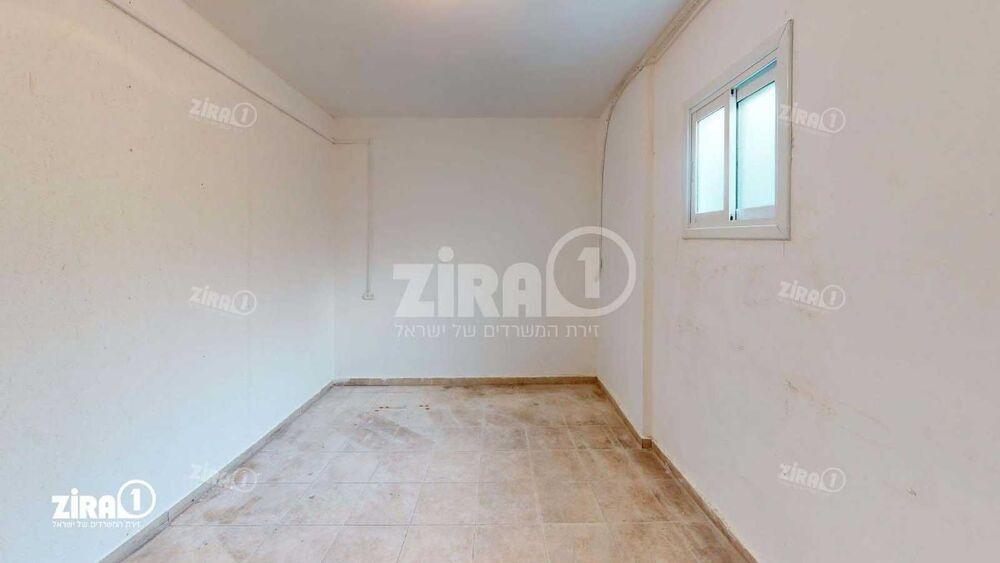 משרד בבניין  בניין ח' | קומה 1 | שטח 160מ״ר  | תמונה #0 - 1