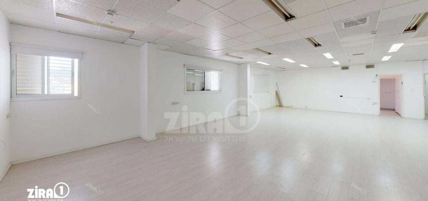 משרד בבניין בניין B | קומה 3 | שטח 180מ״ר  | תמונה #0 - 1