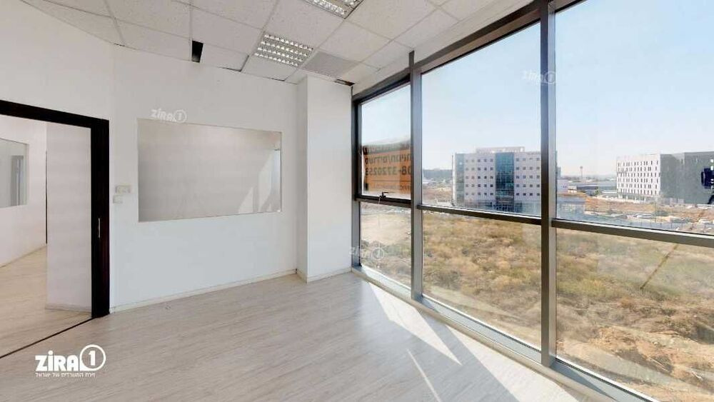 משרד בבניין בית עופר | קומה 3 | שטח 146מ״ר  | תמונה #0 - 1
