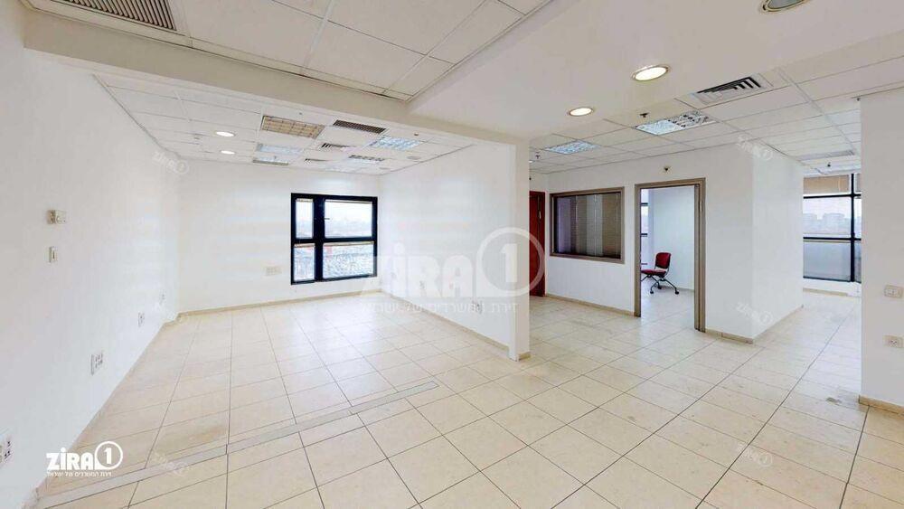 משרד בבניין מגדל UMI | קומה 6 | שטח 85מ״ר  | תמונה #0 - 1