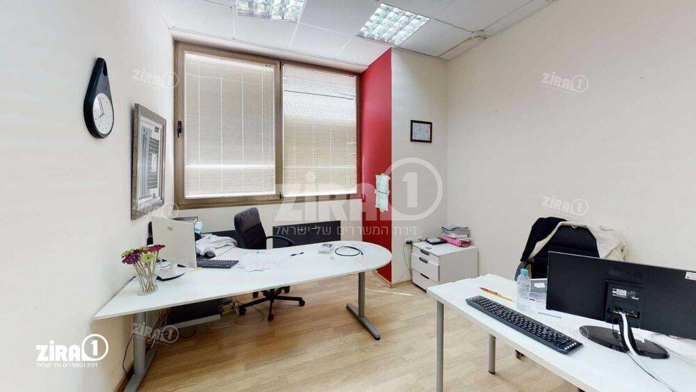 משרד בבניין לב הנבט   קומה: 1   שטח 110 תמונה   מ׳׳ר #21 - 1
