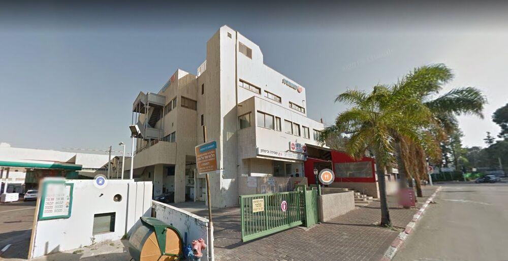 בניין הצומת 9 בכפר סבא   רמת הבניין classC   תמונה #0 - 1