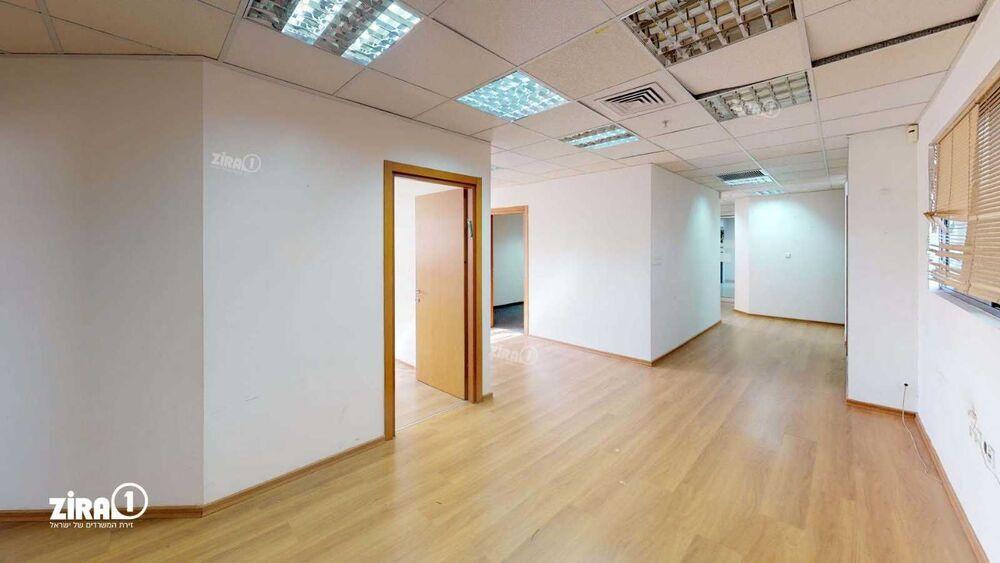 משרד בבניין בית אדר | קומה 4 | שטח 170מ״ר  | תמונה #0 - 1