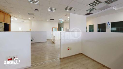 משרד בבניין REIT1 - עתיר ידע - כפר סבא | קומה 2 | שטח 380מ״ר  | תמונה #1 - 1