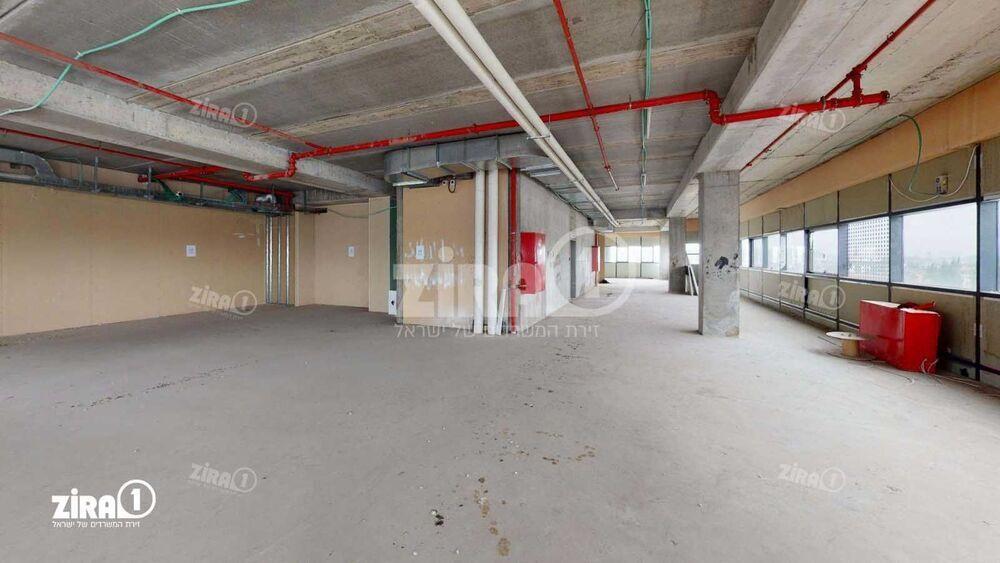 משרד בבניין הכשרה חברה לביטוח   קומה: 3   שטח 540 תמונה   מ׳׳ר #13 - 1