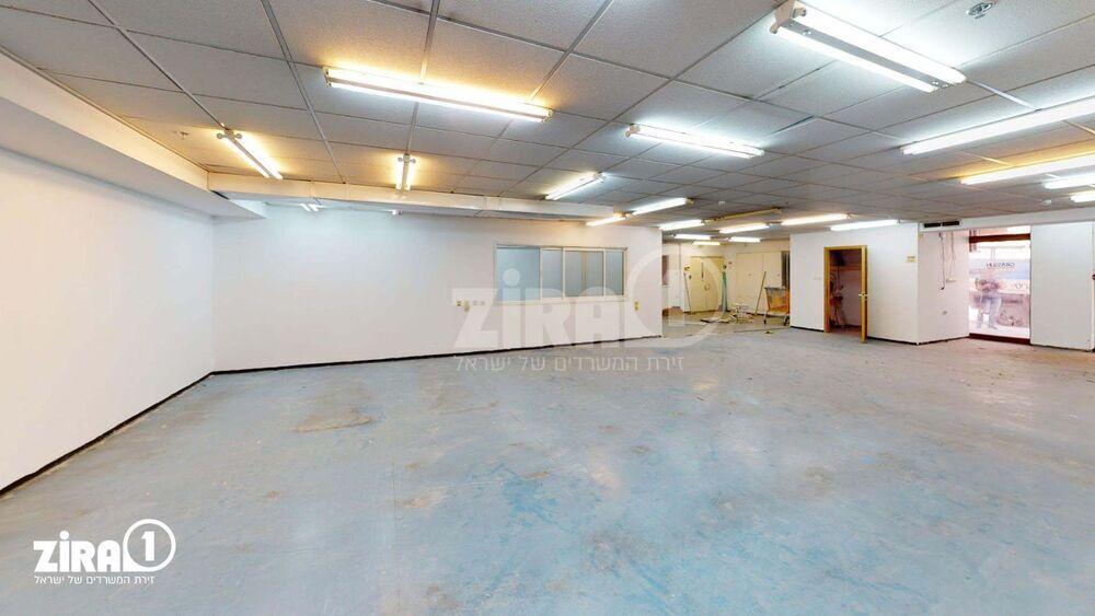 משרד בבניין השקמה 3   קומה 1   שטח 482מ״ר    תמונה #0 - 1