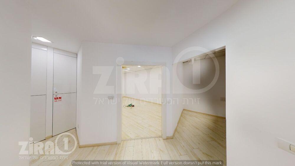 משרד בבניין בית קורקס A   קומה 0   שטח 150מ״ר    תמונה #0 - 1