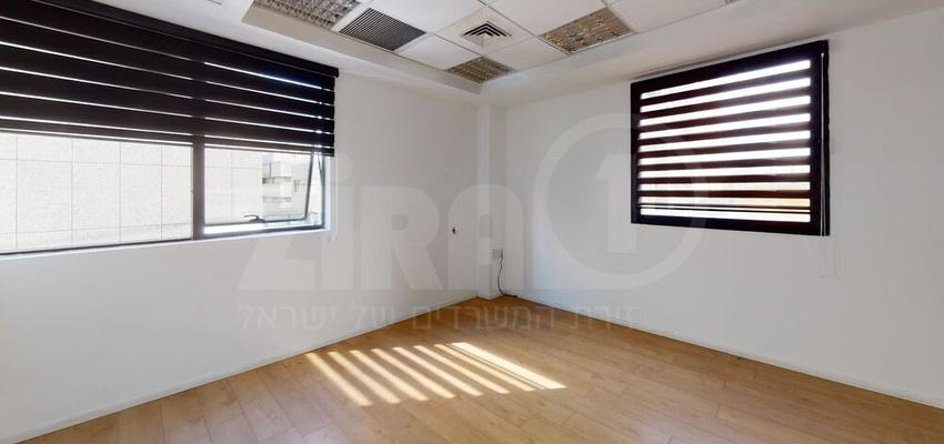 משרד בבניין בית יגאל אלון - בניין A   קומה 3   שטח 584מ״ר    תמונה #0 - 1