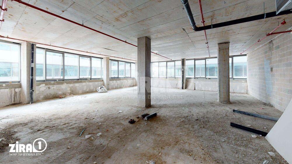 משרד בבניין רביעיית פלטינום- בניין B | קומה: 3 | שטח 200 תמונה | מ׳׳ר #15 - 1