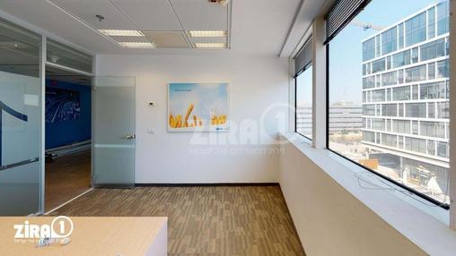 משרד בבניין בית זיויאל- כניסה B    קומה 3   שטח 601מ״ר    תמונה #6 - 1