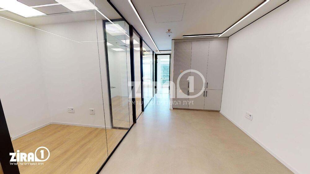 משרד בבניין מרכז עזריאלי חולון - בניין C | קומה 11 | שטח nullמ״ר  | תמונה #0 - 1