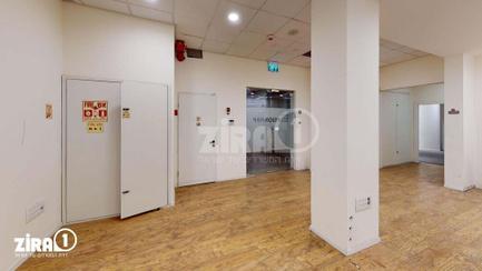 משרד בבניין בית זיויאל -כניסה D   קומה 0   שטח 550מ״ר    תמונה #2 - 1
