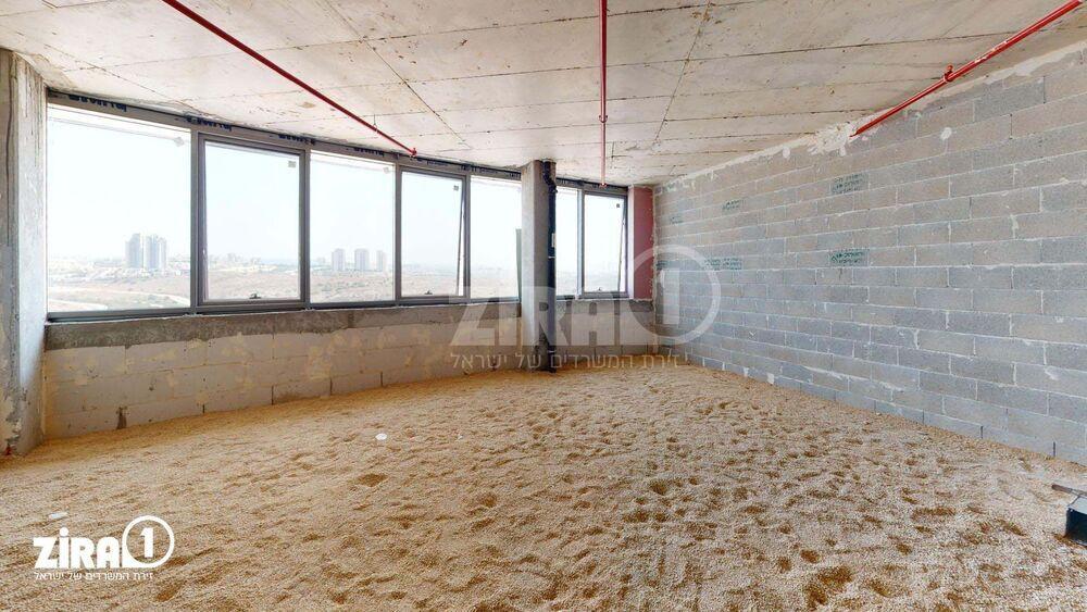 משרד בבניין רביעיית פלטינום- בניין D   קומה 4   שטח 82מ״ר    תמונה #0 - 1