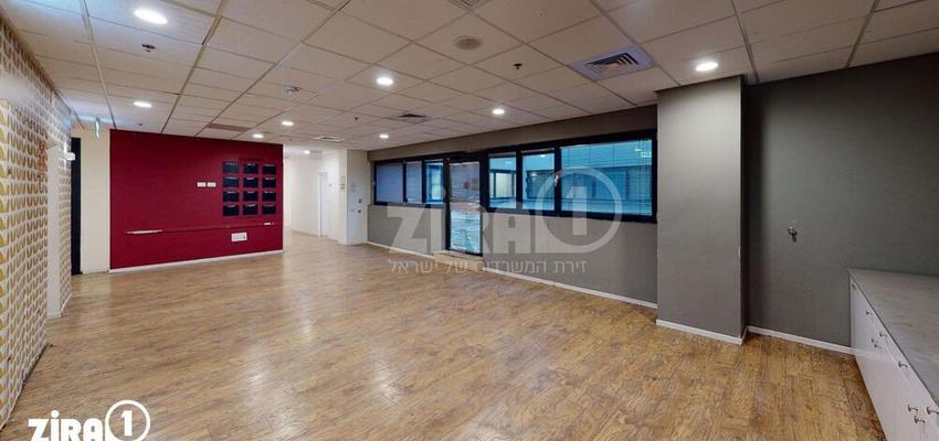 משרד בבניין בית זיויאל -כניסה D | קומה 3 | שטח 1500מ״ר  | תמונה #0 - 1