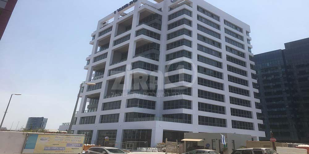 בניין בית מנצור 1 ברעננה   רמת הבניין classA   תמונה #0 - 51