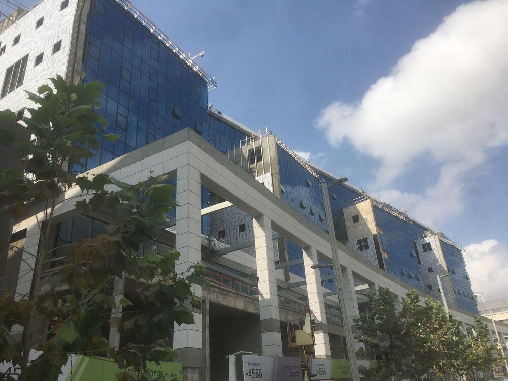 משרד בבניין   יעקבי סנטר- מודיעין   קומה 5   שטח 2550מ״ר    תמונה #0 - 1