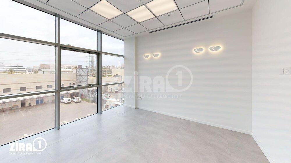 משרד בבניין Titanium - טיטניום   קומה 3   שטח 145מ״ר    תמונה #0 - 1