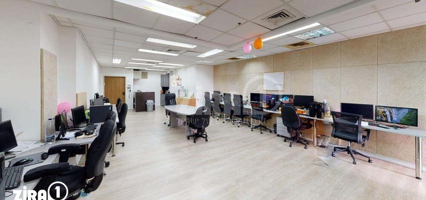 משרד בבניין מגדל UMI   קומה 5   שטח 111מ״ר    תמונה #0 - 1