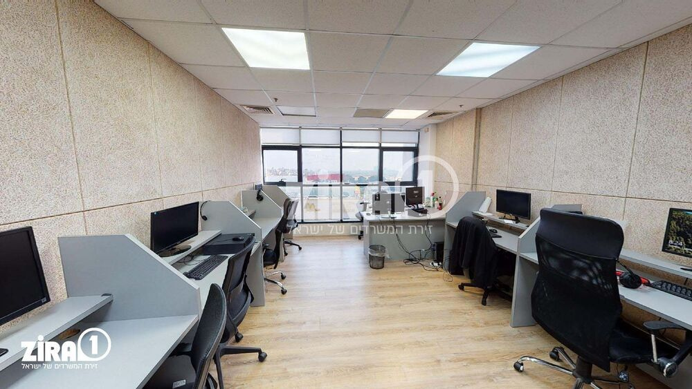 משרד בבניין מגדל UMI | קומה 5 | שטח 38מ״ר  | תמונה #0 - 1