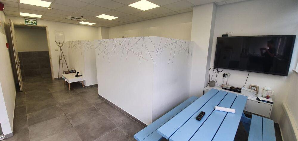 משרד בבניין בית העץ הנדיב   קומה 3   שטח 88מ״ר    תמונה #0 - 1