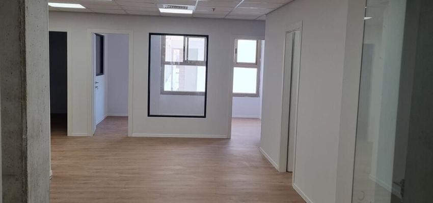 משרד בבניין בית הפעמון    קומה 1   שטח 120מ״ר    תמונה #0 - 1