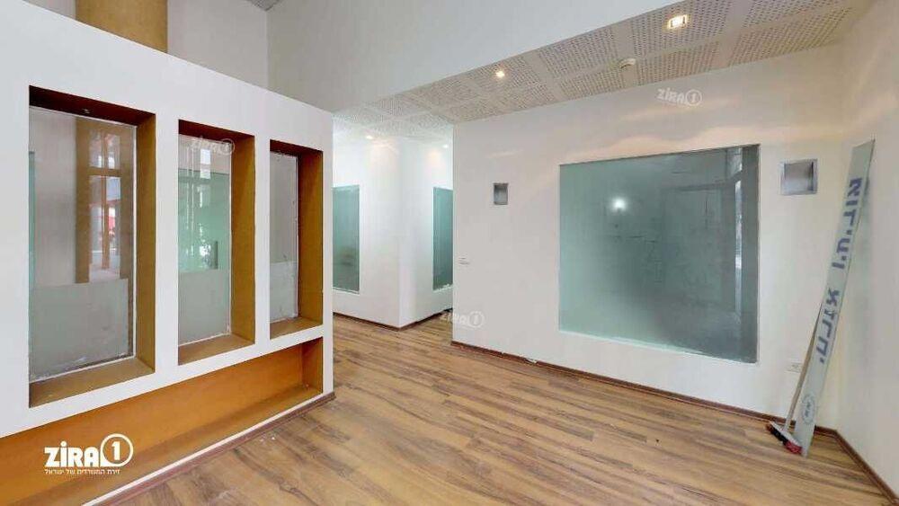 משרד בבניין בית קורקס B   קומה 0   שטח 94מ״ר    תמונה #0 - 1