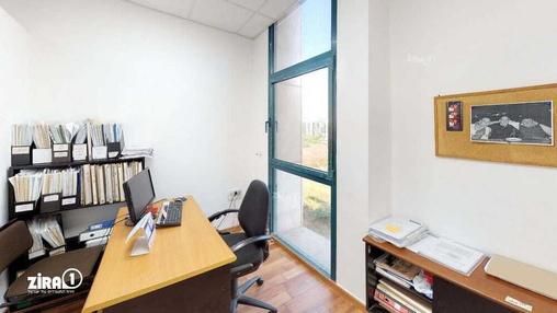 משרד בבניין טקסטיל סנטר | קומה 2 | שטח 140מ״ר  | תמונה #5 - 1