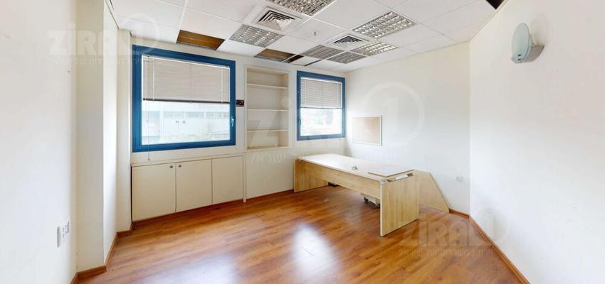משרד בבניין בית כנרת | קומה 1 | שטח 110מ״ר  | תמונה #0 - 1
