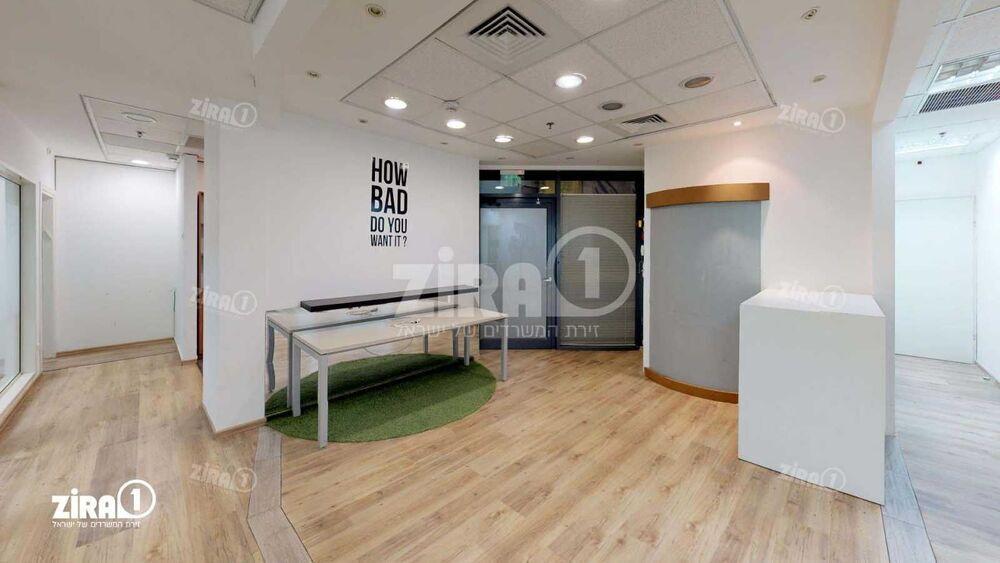 משרד בבניין בניין שטרן   קומה 0   שטח 220מ״ר    תמונה #0 - 1