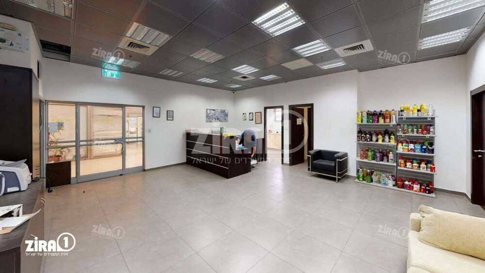 משרד בבניין בית כפר השעשועים | קומה 0 | שטח 450מ״ר  | תמונה #0 - 1