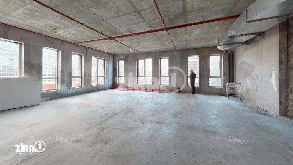 משרד בבניין מגדל בר כוכבא   קומה: 2   שטח 230 תמונה   מ׳׳ר #0 - 1
