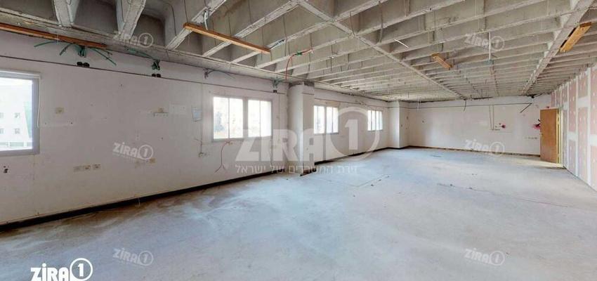 משרד בבניין בניין מרכז הקריה   קומה 2   שטח 800מ״ר    תמונה #0 - 1