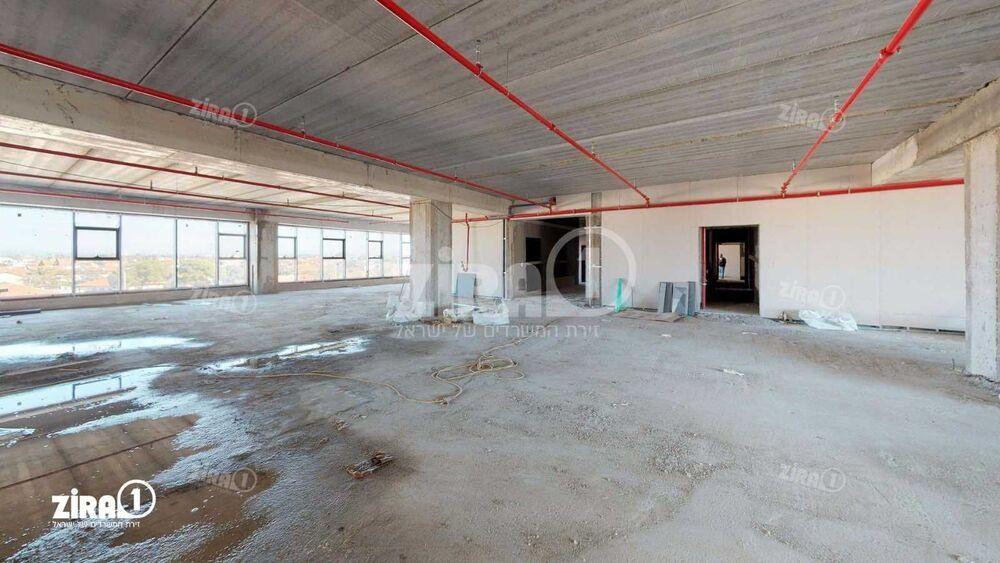 משרד בבניין מול החוף ווילג' | קומה: 3 | שטח 1050 תמונה | מ׳׳ר #1 - 1