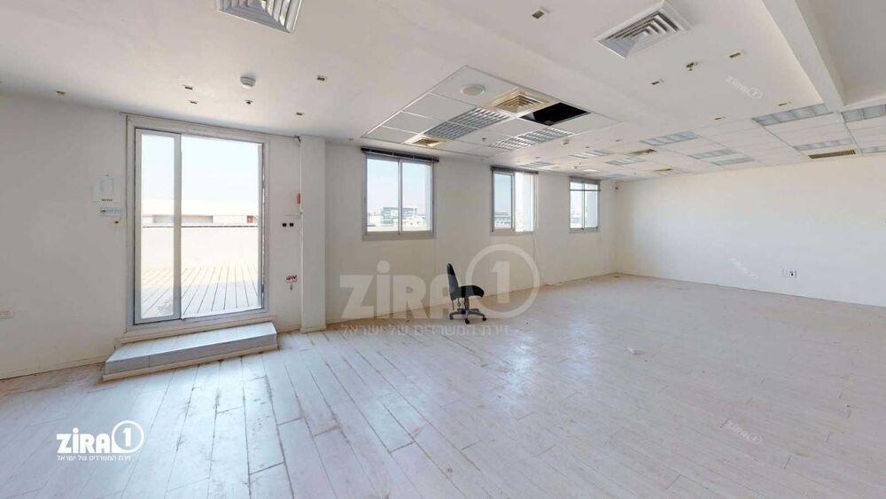 משרד בבניין בית נובוטון   קומה: 4   שטח 514 תמונה   מ׳׳ר #4 - 1