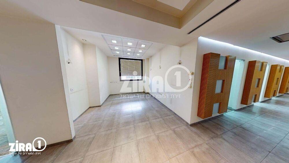 משרד בבניין מגדלי זיו- בניין B | קומה 4 | שטח 220מ״ר  | תמונה #0 - 1