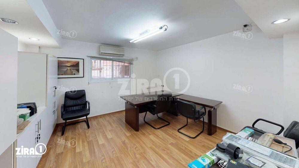 משרד בבניין בית קלאוזנר | קומה 1 | שטח 30מ״ר  | תמונה #0 - 1
