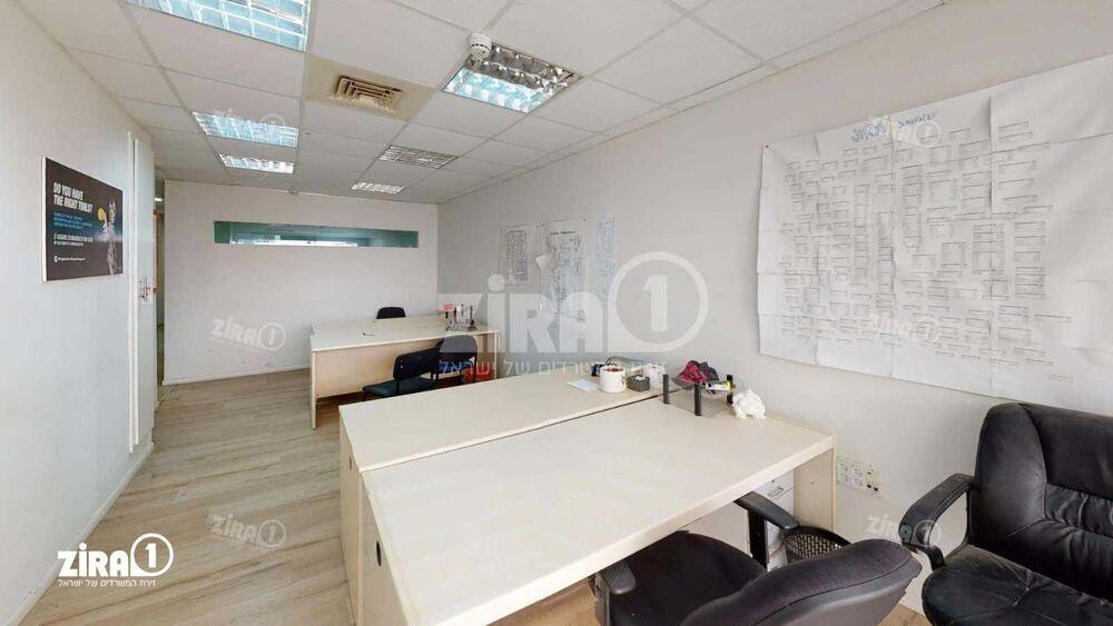 משרד בבניין בית אשבד   קומה: 3   שטח 101 תמונה   מ׳׳ר #4 - 1