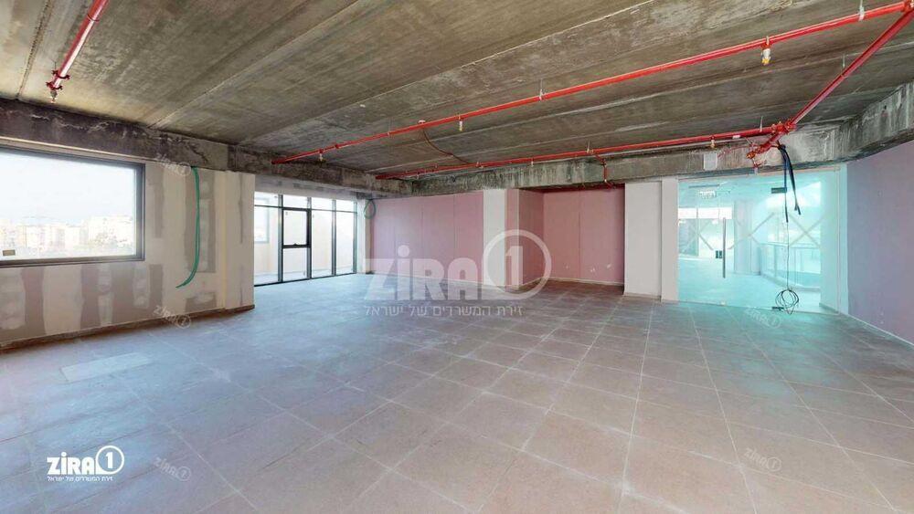 משרד בבניין מטרו וולפסון  | קומה: 4 | שטח 185 תמונה | מ׳׳ר #4 - 1