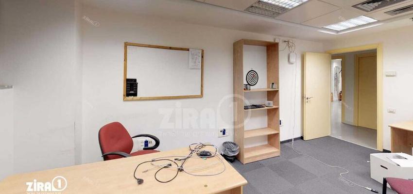 משרד בבניין בית קשרי תעופה | קומה 1 | שטח 900מ״ר  | תמונה #0 - 1
