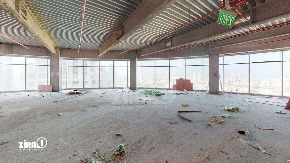 משרד בבניין בית גיבור ספורט  | קומה 33 | שטח 1300מ״ר  | תמונה #0 - 1