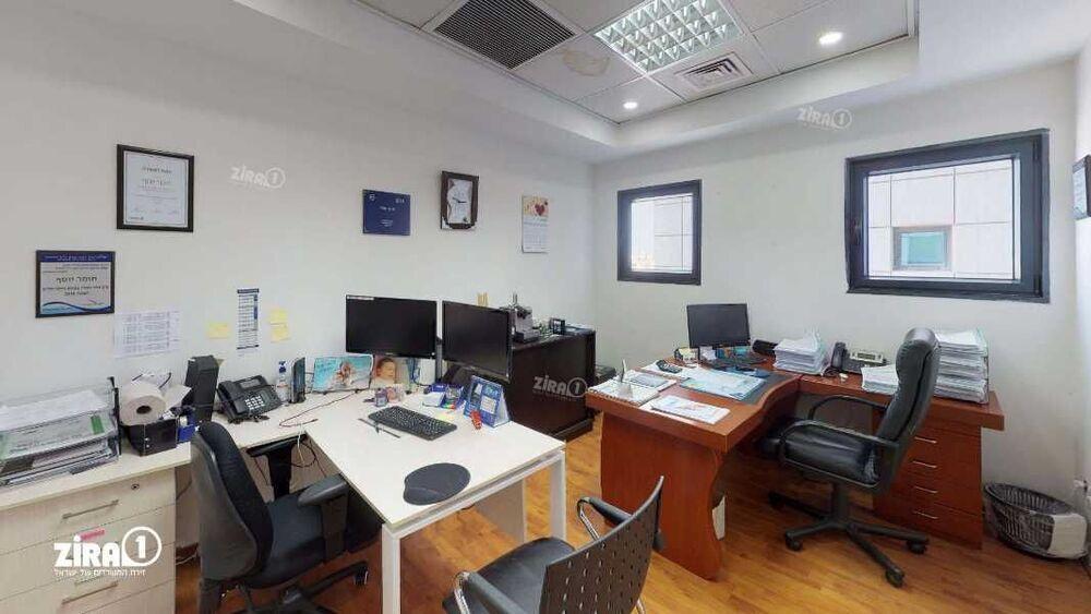 משרד בבניין מגדל UMI | קומה 8 | שטח 115מ״ר  | תמונה #0 - 1