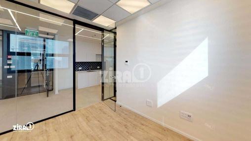 משרד בבניין מתחם Centro | קומה 4 | שטח 60מ״ר  | תמונה #21 - 1
