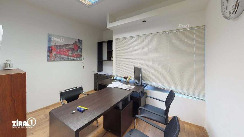 משרד בבניין מגדל UMI   קומה 1   שטח 110מ״ר    תמונה #0 - 1