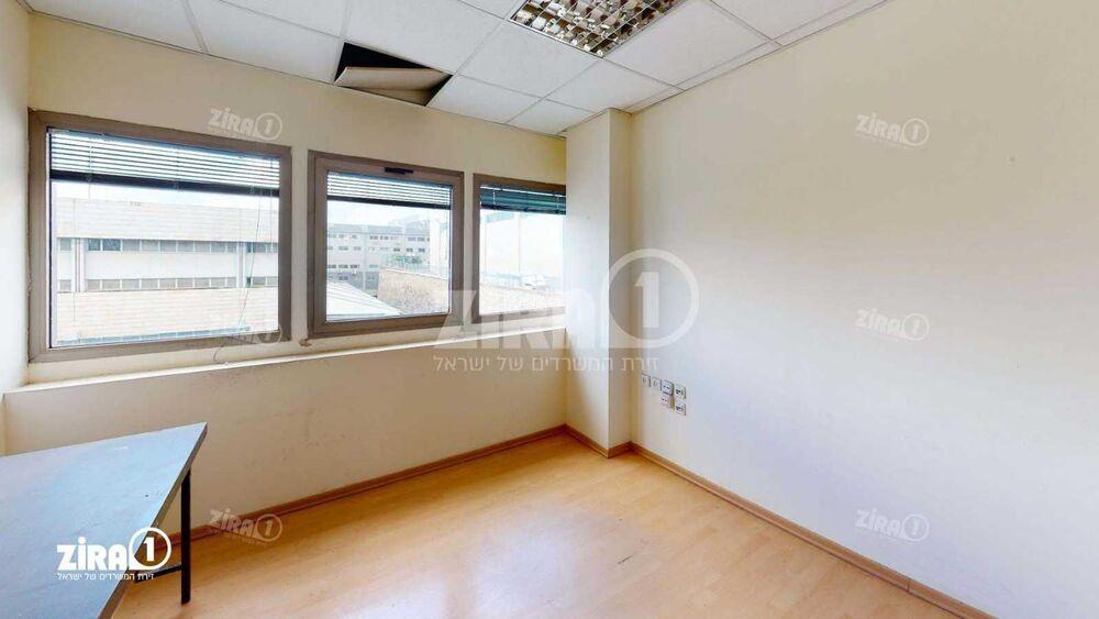 משרד בבניין בית אשבד   קומה 3   שטח 165מ״ר    תמונה #0 - 1