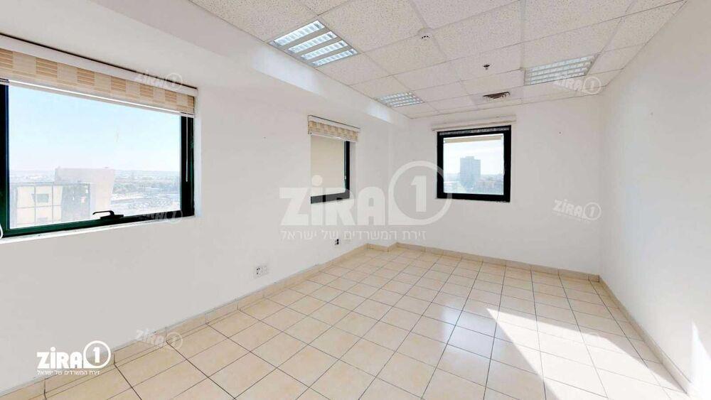 משרד בבניין בית פריזמה  | קומה 9 | שטח 400מ״ר  | תמונה #0 - 1