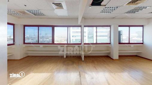משרד בבניין בית פריזמה הישן | קומה 1 | שטח 300מ״ר  | תמונה #20 - 1