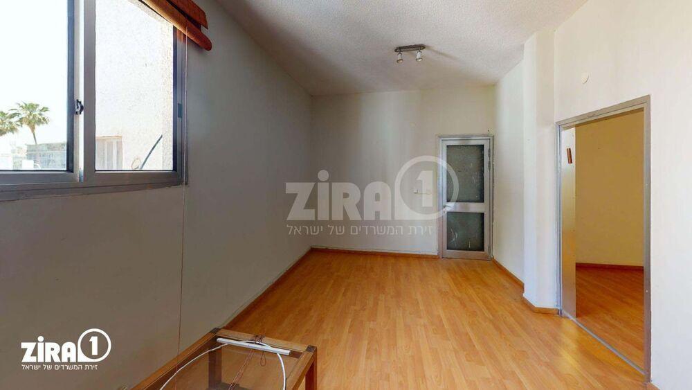 משרד בבניין בניין האגודה | קומה: 3 | שטח 55 תמונה | מ׳׳ר #22 - 1